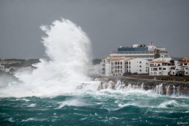 Supermarkets running short of products because of Storm Gloria