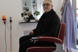 Hairdressers' guild denouncing low-cost salons