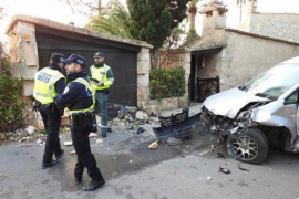 Van crashes into a house near Puerto Andratx