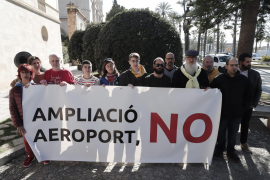 Opposition to Palma airport expansion mounting