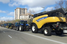 Tractor protest demands fair prices for farmers