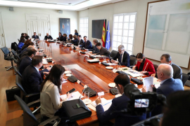 Spanish authorities hold inter-ministerial committee briefing on coronavirus situation