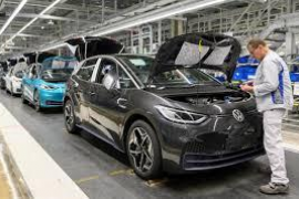 Volkswagen starts shutting down production in Europe in face of coronavirus