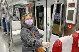 Masks to be distributed to public transport users