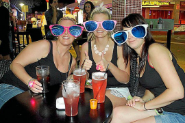 """All-inclusive self-service alcohol """"cannot be curbed"""""""