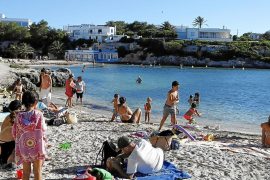 Minorca beach control based on information campaign