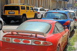 Almost 100 abandoned cars on four streets in La Soledat