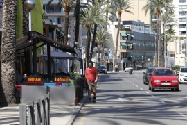 Transport operators point to danger from removing Paseo Marítimo lane
