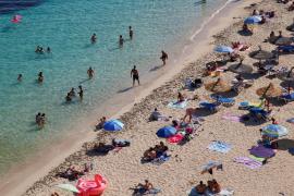 Beaches beckon as England to end quarantine for more than 50 countries