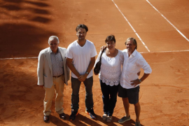All-inclusive alcohol and tennis legends: the week in the Bulletin
