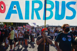 Thousands of Spanish Airbus workers protest layoff plan