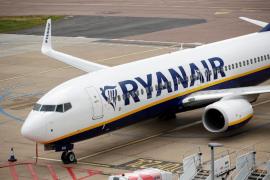 Ryanair says no changes planned in light of UK quarantine reinstatement.