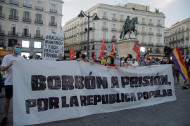 Protesters call for end to Spanish monarchy after former king's exit