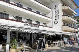 UK quarantine blamed for Hotel closure
