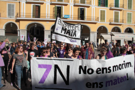 Government ministers in march against gender violence