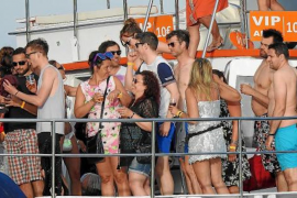 Crackdown on 'party boats'
