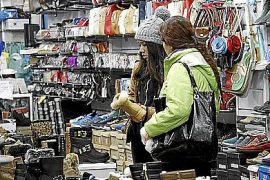 Retailers anticipating record Christmas sales