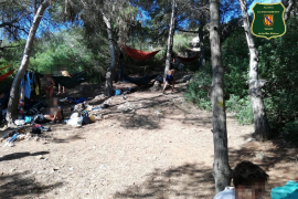 Reported for illegal camping at Cala Varques