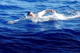 Boris Nowalski completes gruelling swim