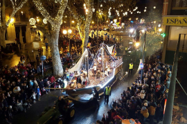 Kings' parade lights up Palma
