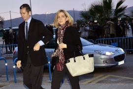 Princess Cristina comes to court