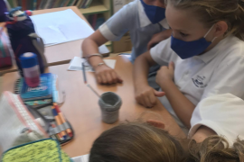 Year 6 at Bellver get to grips with the states of matter