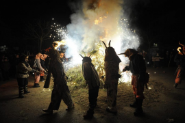 Demons celebrate tenth anniversary at Muro's Sant Antoni display