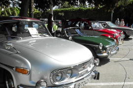 Cars galore on the Paseo Maritimo: The first big car show of 2016