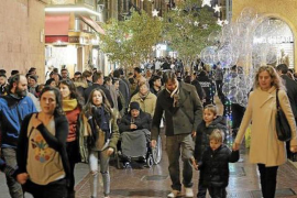 Christmas shopping in the streets of Palma?