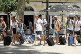 Travel to Spain collapses as coronavirus hits