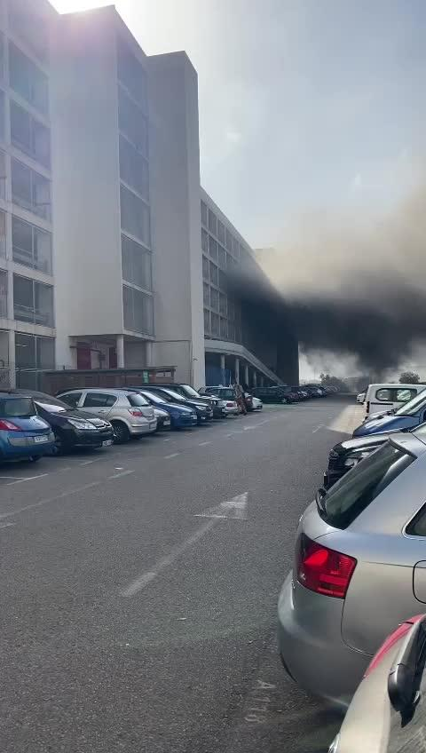 Fire breaks out at Palma airport car park