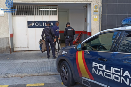 Two arrests in dismantling of migrant smuggling gang
