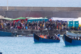 Number of migrant boats reaching the Canaries surge