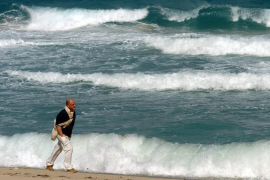 Coastal areas threatened by inundation from rising sea levels by 2100