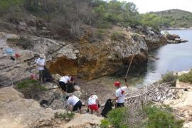 Over 90% of Cabrera marine waste is plastic