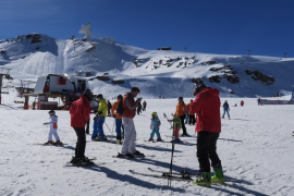 Spanish ski stations set to open next week despite COVID-19 restrictions