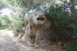 A lion sculpture in Mallorca has inspired a new novel