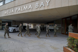 The army helped prepare a temporary hospital in Mallorca