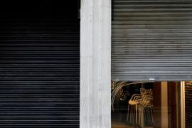 A closed restaurant in Valencia.