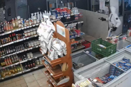 Hold up at Palma supermarket caught on video