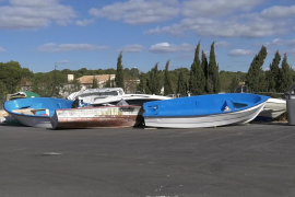 What happens to the migrant boats abandoned in Mallorca?