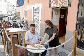 Bars, restaurants & cafés to keep parking space terraces