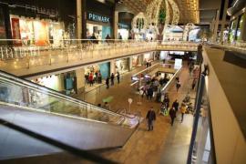 Shopping centres reopen.