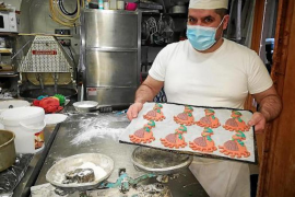 Mallorcan Chef creates Jaia Corema biscuit for Lent