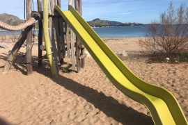 The Puerto Pollensa beach playgrounds can stay