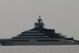 What a super yacht.
