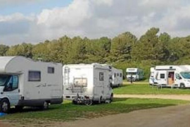 Row over Caravans & Motorhomes in Cala Agulla car park