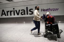 Fraud, airport delays spur move for secure COVID-19 test document