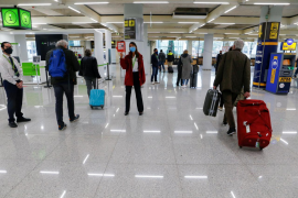 Spain hopes number of foreign tourists will rebound to half pre-pandemic level this year