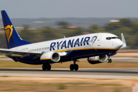 Ryanair plans 2,500 Spanish flights a week in bet on travel recovery